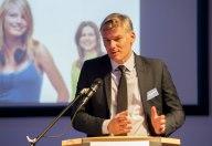 Dr. Stefan Rennicke von CSR j&c GmbH hat die Preisverleihung ins Leben gerufen